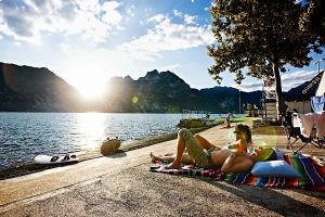 Die Ruhe nach dem Sturm: Am Ufer entspannen