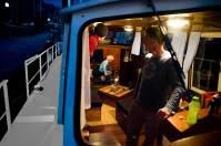 Ab in die Koje: Auf dem Hotelboot La Colombe geht selbst Justus gern zu Bett.