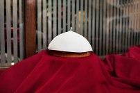 Wer wird ihn tragen, den Pileolus, das Scheitelkäppchen des Papstes?