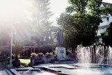 Wassermann: Dem Pfarrer und Hydrotherapeuten Sebastian Kneipp sind Denkmal und Brunnen in Bad Wörishofen gewidmet.