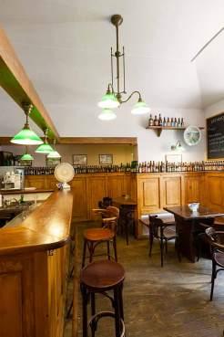 Sperrstunde: Bis zu 48 Biersorten warten in der Bar Zlý Časy auf die Stammkunden.