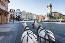 Jahrhunderte zu Stein geronnen: der Altstädter Ring mit dem Rathaus.