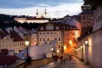 Heilige Aussicht: ein abendlicher Blick von der Burg hinüber zum Kloster Strahov.