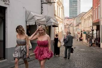 Die Zwillingsschwestern Morana Saračević (l.) und Martina ČiČko-Karapetrić organisierten die erste Fashion Week der Stadt