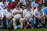 Bauchfreiheit: Die Experten aus der ersten Reihe sind nur schwer aus der Ruhe zu bringen