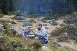 Aufgestockt: Die Wandergruppe beim Würstchenbraten am Mittag unweit der Oberalp
