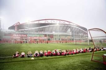 Noch muss der Benfica-Nachwuchs, das Kapital des Clubs, vor dem Estádio da Luz trainieren. Aber alle hoffen, eines Tages in der Arena zu spielen