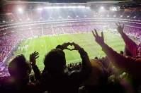 """Große Liebe: Im """"Stadion des Lichts"""" reicht die Begeisterung für den Club bis in die obersten Ränge"""
