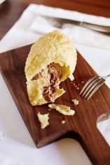Die Pastéis im Café Lisboa sind Gebäckteilchen mit Kalbfleischfüllung