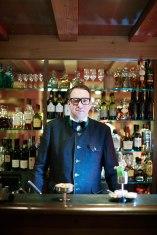 Flaschengeist: Barkeeper Christian Amann an der Bar des Hotels Kristiania.