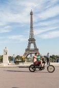 Stahlross: Start der Radtour am Eiffelturm, dahinter das Marsfeld.