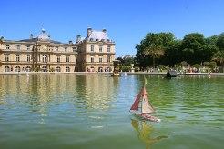 Prachtpalast: Palais du Luxembourg mit weitläufigen und gepflegten Parkanlagen.