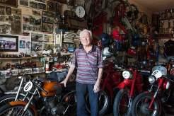 Rock'n'Roller: Der 93 Jahre alte Florio Monti, der die Vespa seit ihrer Geburtsstunde kennt, in seiner Werkstatt in Forcoli.