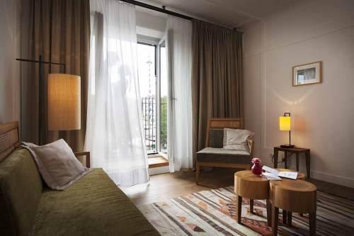 Doppelfensterln: Das Louis Hotel mit Blick auf den Viktualienmarkt.