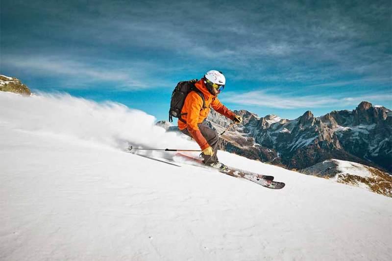 Brettspiele: Einheimische Freeride-Experten wie Filippo Ongaro finden in den Bergern von San Martino di Castrozza auch bei wenig Schnee ein paar schöne Abfahrten.