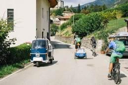 Straßenlage: Der Weg nach oben führt durch das Dorf Stenico, das in 666 Meter Höhe liegt.